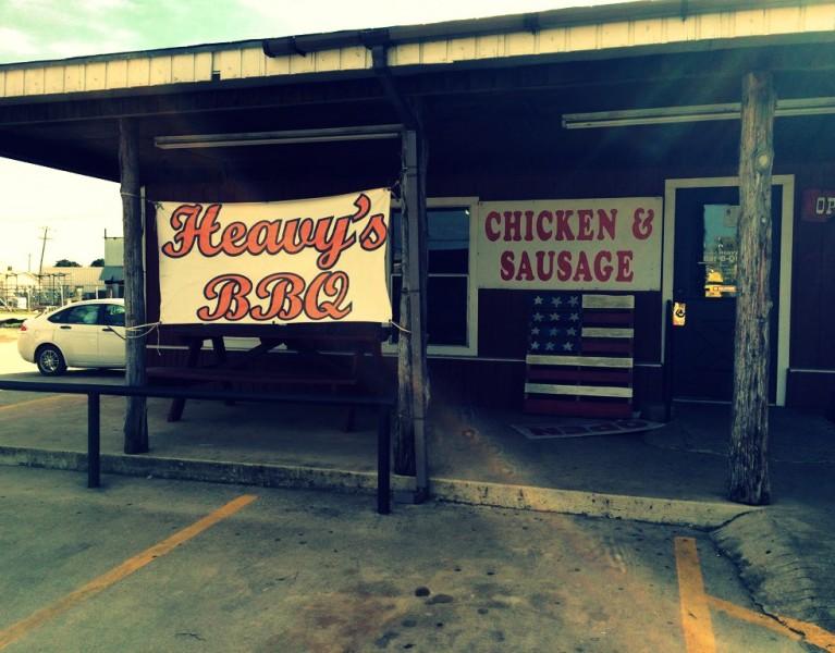 Heavy's Bar B Que Hondo Texas 1